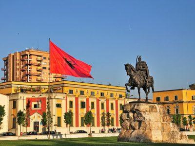 Monumento di Scanderbeg, Tirana
