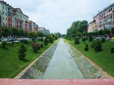 Il fiume Lana, Tirana
