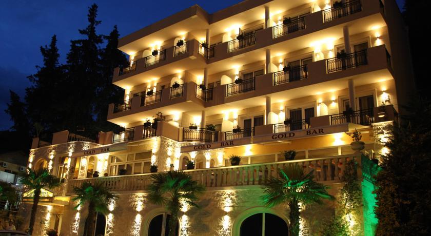 *Gold Hotel